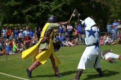 Castillo Jousting medieval de Hever de la exhibición del combate del pie del torneo Imagenes de archivo