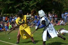 Castillo Jousting medieval de Hever de la exhibición del combate del pie del torneo Imagen de archivo libre de regalías