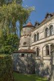 Castillo Lichtenstein - edificio auxiliar con la torre Imagen de archivo