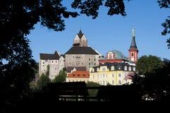 Castillo Loket en el verano, República Checa Imagen de archivo