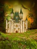 Castillo mágico del cuento de hadas en la noche tempestuosa stock de ilustración