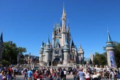 Castillo mágico del reino de Disneyworld fotografía de archivo