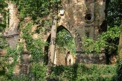 Castillo medieval arruinado en el chalet Sorra Imagenes de archivo