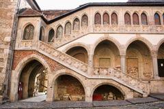 Castillo medieval de la pared de Hunedoara Fotos de archivo libres de regalías