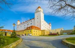 Castillo medieval en Bratislava, Eslovaquia foto de archivo