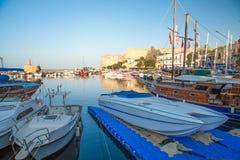 Castillo medieval en el puerto viejo en Kyrenia, Chipre Fotos de archivo