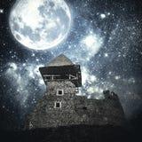 Castillo medieval misterioso Imágenes de archivo libres de regalías