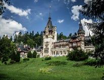 Castillo precioso de Peles en Sinaia Rumania imagenes de archivo