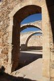 Castillo viejo debajo del cielo azul Imágenes de archivo libres de regalías