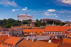 Castillo viejo en Bratislava en Sunny Day. Foto de archivo libre de regalías