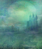 Castillo viejo en claro de luna stock de ilustración
