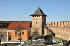 Castillo viejo en la ciudad Lutsk en invierno foto de archivo