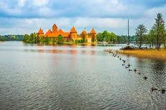 Castillo viejo medieval en Trakai, Lituania fotografía de archivo