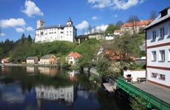 Castillo y aldea Fotos de archivo