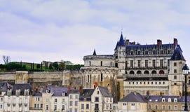 Castillo y aldea de Amboise foto de archivo libre de regalías