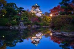 Castillo y charca de Osaka Foto de archivo