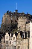 Castillo y Grassmarket de Edimburgo foto de archivo libre de regalías
