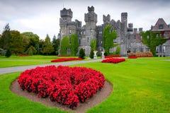 Castillo y jardines de Ashford en Co. Mayo Foto de archivo