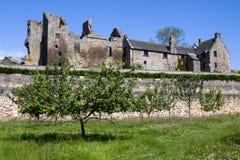 Castillo y jardines, Fife de Aberdour imagen de archivo libre de regalías