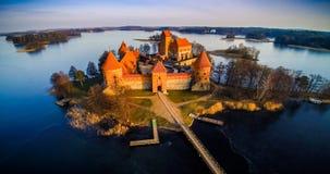 Castillo y lago imágenes de archivo libres de regalías