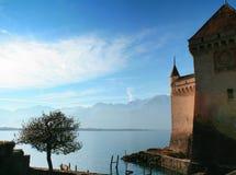 Castillo y lago Ginebra de Chillon imagen de archivo