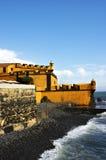 Castillo y mar Imagen de archivo libre de regalías