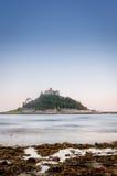 Castillo y océano de la isla imagen de archivo libre de regalías