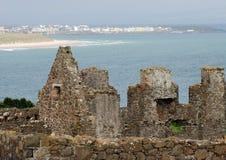 Castillo y Portrush de Dunluce imagen de archivo libre de regalías