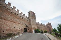 Castillo y pueblo medievales, Gradara, Italia Imágenes de archivo libres de regalías