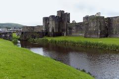 Castillo y puente de Caerphilly Fotos de archivo libres de regalías