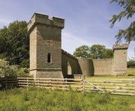 Castillo Yarpole, nr Leominster, Herefordshire m encastillado del cercado Fotos de archivo