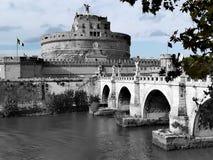 Castle και γέφυρα Sant ` Angelo στη Ρώμη Στοκ Φωτογραφία