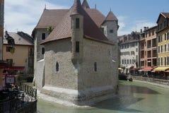 Castle στον ποταμό Thiou στο Annecy Στοκ Εικόνες