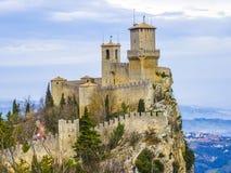 Castle του Άγιου Μαρίνου στο λόφο στοκ εικόνες με δικαίωμα ελεύθερης χρήσης