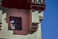 Castle Clocktower στον ήλιο στοκ φωτογραφία με δικαίωμα ελεύθερης χρήσης