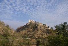 Castle and fortified walls of  Kumbhalgarh Royalty Free Stock Photography