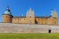 The castle in Kalmar, Sweden preceded by the lawn Stock Photography