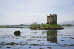 Castle stalker loch linnhe scotland scenery Royalty Free Stock Photos