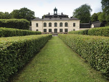 Castle, Sweden, house, yellow, park, hedge, häck, slott Royalty Free Stock Photography