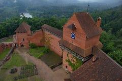 Castle Turaida μια ομιχλώδη ημέρα, Λετονία Στοκ φωτογραφία με δικαίωμα ελεύθερης χρήσης