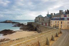 Castle walls of Saint Malo over sea Royalty Free Stock Photography