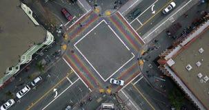 Castro District com a faixa de travessia do arco-íris em San Francisco nos EUA filme