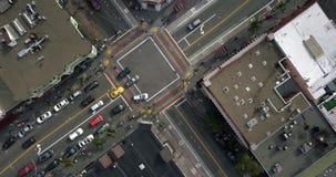 Castro District con el paso de peatones del arco iris en San Francisco en los E.E.U.U. almacen de metraje de vídeo
