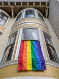 Castro District Rainbow Colored Flag, San Francisco, Kalifornien Lizenzfreies Stockfoto