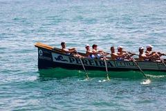 CASTRO URDIALES, SPANIEN - 21. AUGUST: Das Tiran-Boot im Wettbewerb feierte in Castro Urdiales herein am 21. August 2016 in Castr Stockfotos