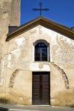 Castronno Italia de la iglesia la ventana de la terraza de la pared Imagen de archivo