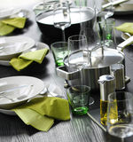 Casual green table setting Royalty Free Stock Photography