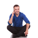 Casual man speaking on the phone Royalty Free Stock Images