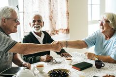 Free Casual Seniors Shaking Hands Refreshment Royalty Free Stock Image - 109783686
