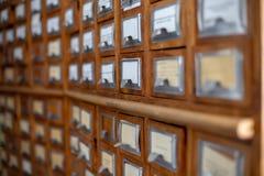 Catálogo de fichas de la referencia de la biblioteca o del archivo foto de archivo